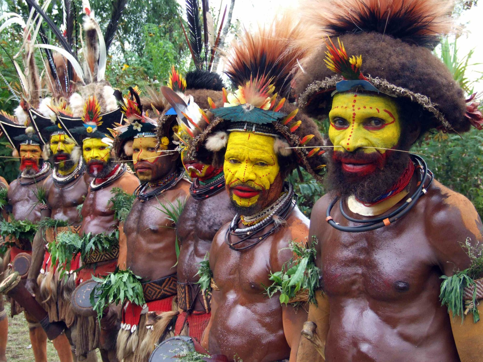 PNG-9-Huli-Wigmen-New-Guinea-June2009-c-V.-Ross