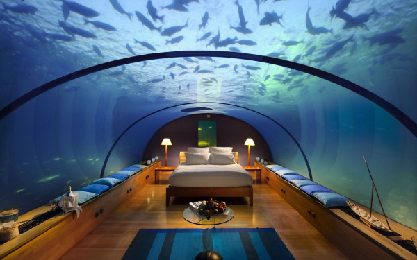 underwater-hotel-room-at-conrad-maldives-rangali-island-hotel-underwater-hotel-the-greatest-place-for-honeymoon