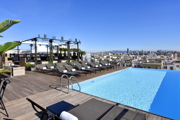 infinity-pool-grand-hotel-barcelona