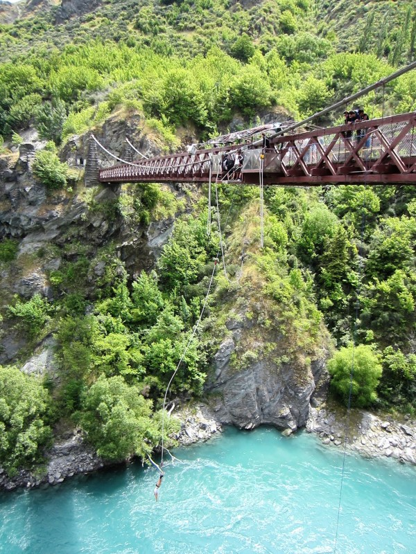 south-island of new-zealand queenstown_kawarau_bungee