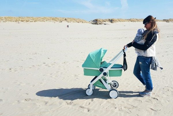 Greentom » A stroller created out of plastic bottles