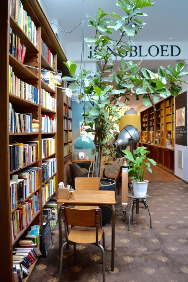 the-hague-bookstore-the-place-during-your-citytrip-in-the-hague-for-a-relaxation-moment
